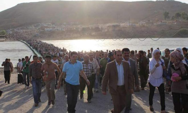 Thousands of Syrian refugees heading to the border